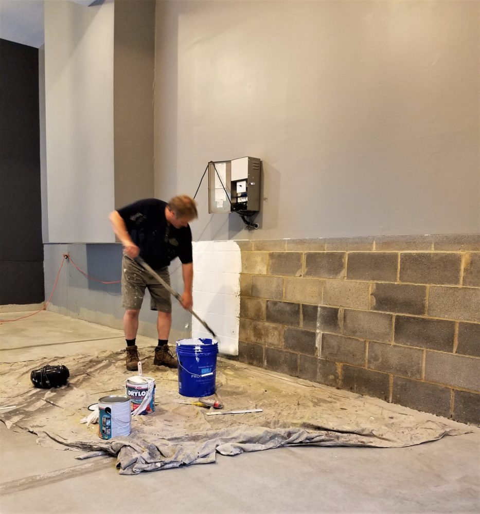 Taylor Painting & Capentry is a full service, licensed interior painting contractor and exterior painting contractor that provides individual and commercial painting, drywall repair, roof coatings, and more to people in Wayne, West Chester, Radnor, Bryn Mawr, and Wynnewood PA.