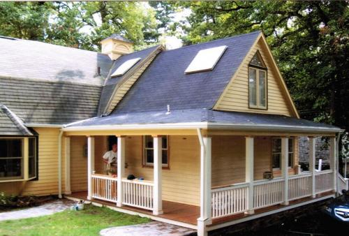 Porch Railing Repaint Before