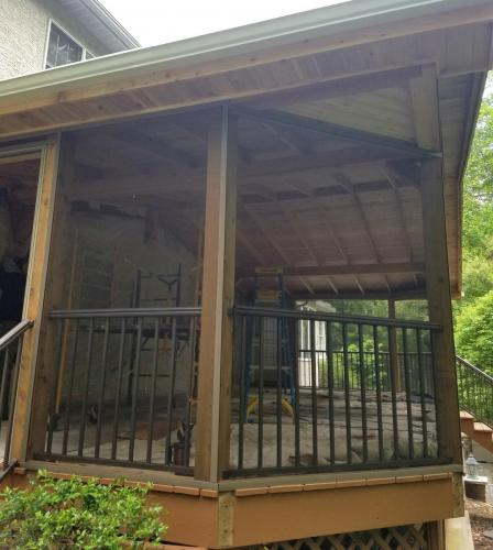 437 - EXTERIOR SCREENED PORCH BEFORE