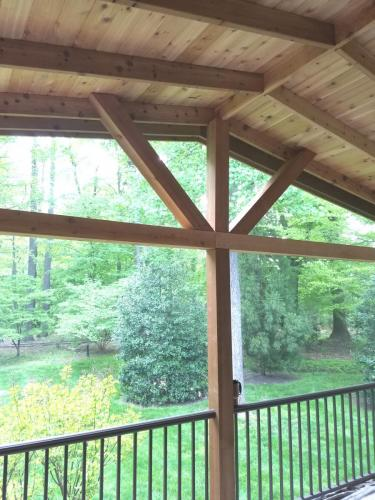 439 - WOOD PORCH CEILING BEFORE