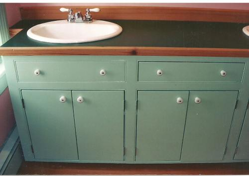 982 - BATHROOM CABINETS AFTER
