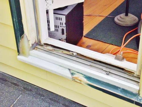 989 - WAYNE WINDOW REPAIRS BEFORE